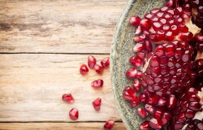 ארבעת המזונות שיעזרו לכם לשמור על עור בריא